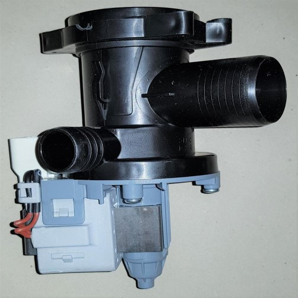 Ablaufpumpe Waschmaschine / BAUKNECHT - EXCELLENCE 6590 / 858303412010